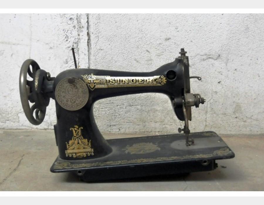 Macchina da cucire singer for Victoria macchina da cucire