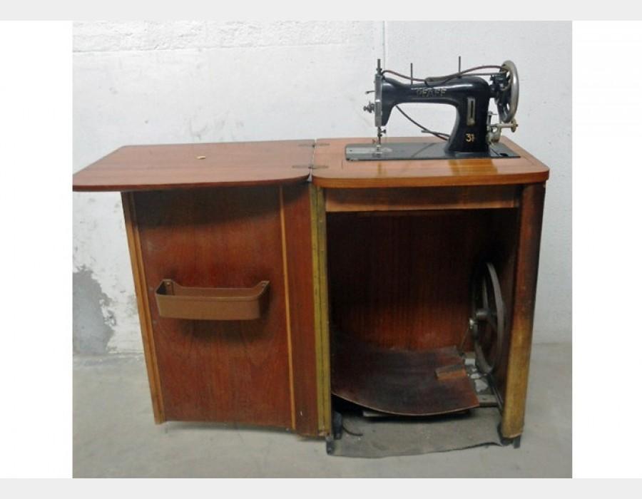 Macchina da cucire pfaf - Mobili per macchine da cucire ...