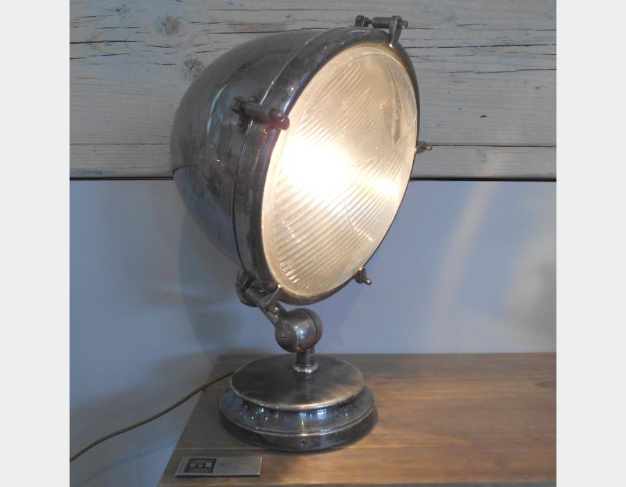 Lampada da tavolo in metallo cromato